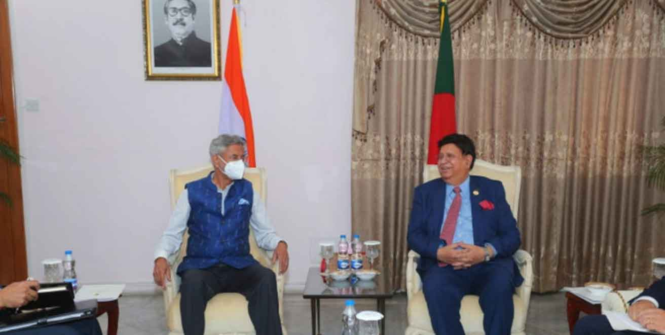 India and Bangladesh discuss ways to take forward relations