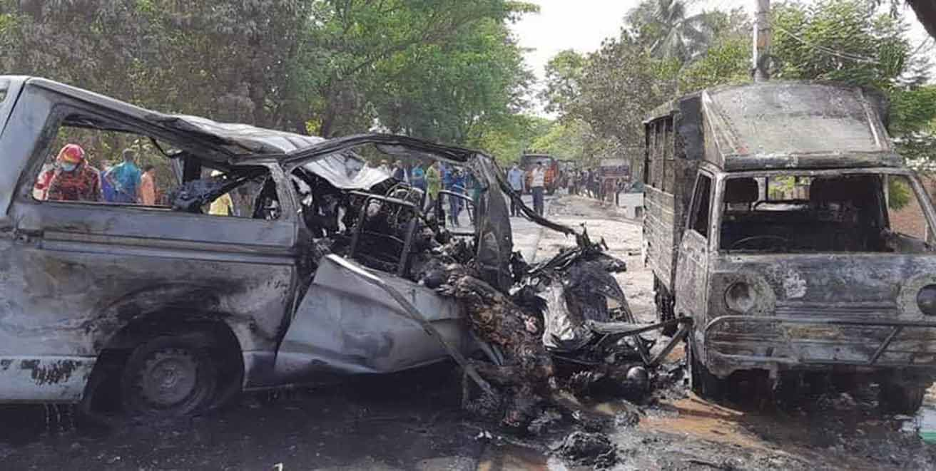 At least 17 die as gas cylinder explodes in three-vehicle pile-up in Bangladesh