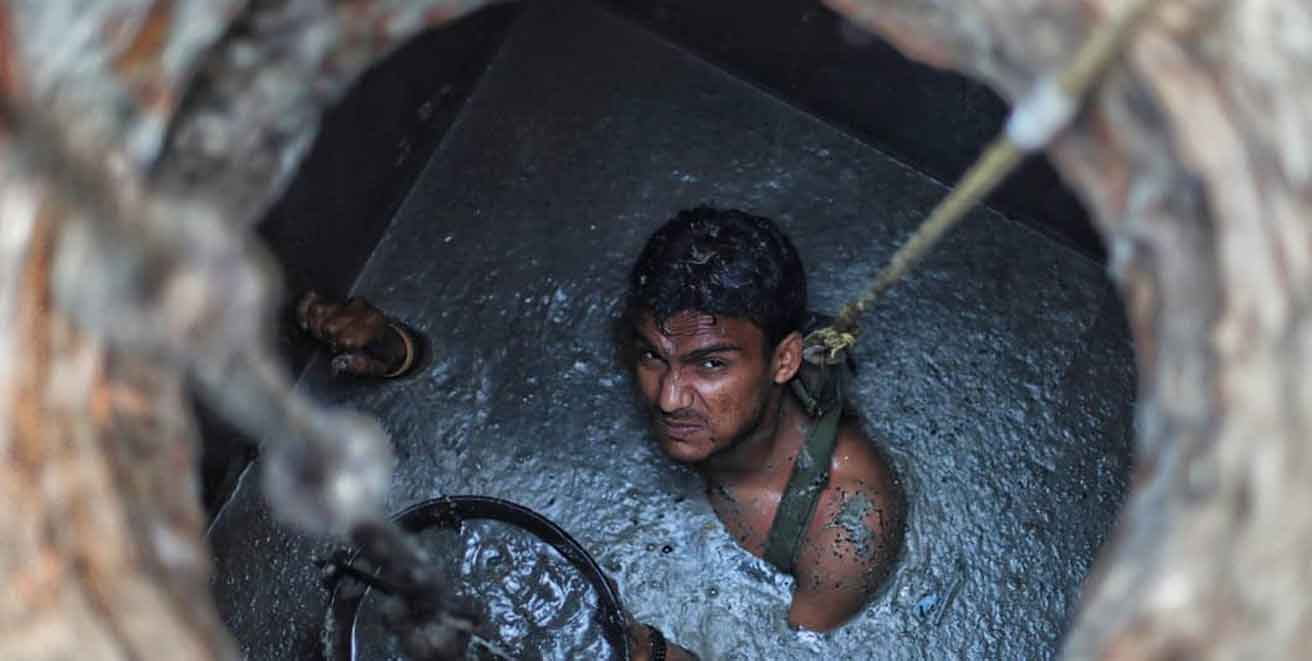 Death of Sewer : Septic tank sanitation workers continue unabated in Delhi