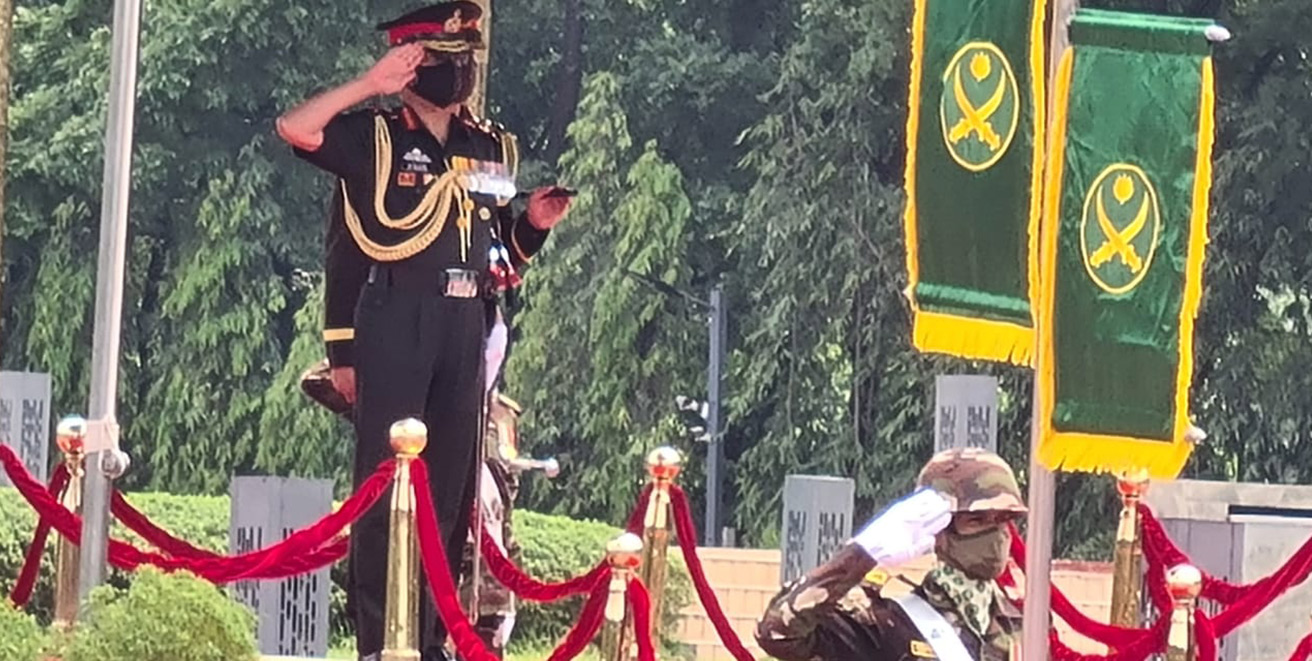 Army chief Naravane arrives in Dhaka on 5-day visit