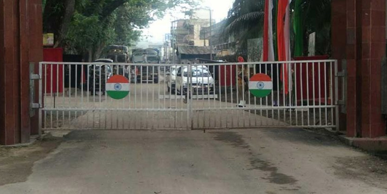 Borders with India open for 3 days a week for Bangladeshis to return